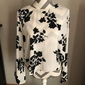 Beautiful bell sleeve blouse